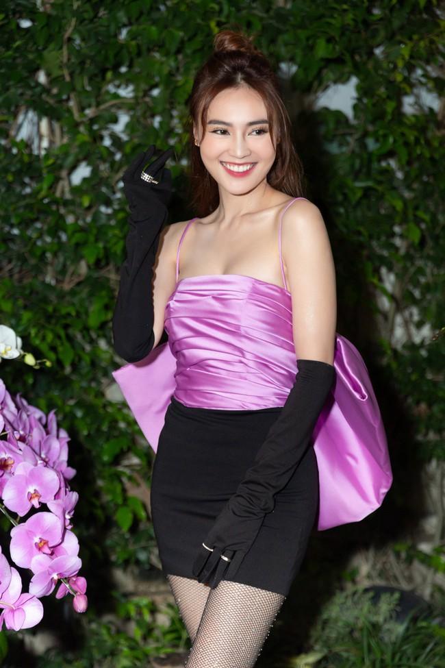 Từng bị chê quê mùa, nay đồ tím giống Jennie (Black Pink) được sao Việt thi nhau diện - Ảnh 5.