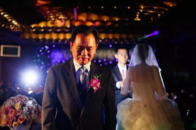 Ngày con gái lấy chồng, bố gửi bức thư dặn dò khiến nhiều người rơi nước mắt - Ảnh 2.