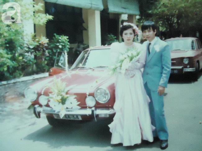 """""""Hot girl Sài Gòn"""" và đám cưới hoành tráng 30 năm trước: Màn """"cướp người yêu"""" ngoạn mục nhờ cái quỳ gối cùng lời dọa dẫm của chàng trai quá si tình - Ảnh 3."""