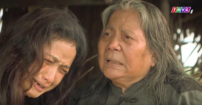 """""""Tiếng sét trong mưa"""": Mẹ Lũ - Hứa Minh Đạt xuất hiện, vừa hỏi """"thằng Lũ đâu con"""" là Hiểm bật khóc đớn đau  - Ảnh 7."""