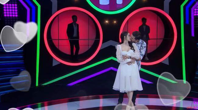 """Hoa khôi hôn """"ngấu nghiến"""" bạn trai mới quen trong show hẹn hò lên tiếng sau loạt chỉ trích của dân mạng - Ảnh 5."""