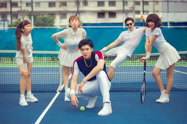 Ra mắt MV đầu tay, Kaity Nguyễn khiến người xem trầm trồ trước cảnh thân mật với trai Tây tại hồ bơi - Ảnh 4.