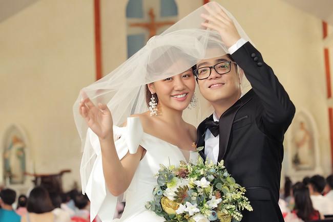 Hé lộ trọn bộ ảnh cưới của Văn Mai Hương - Bùi Anh Tuấn nhưng lý do 2 người kết hôn mới gây ngỡ ngàng - Ảnh 7.