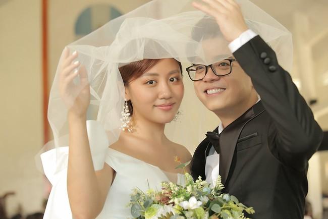 Hé lộ trọn bộ ảnh cưới của Văn Mai Hương - Bùi Anh Tuấn nhưng lý do 2 người kết hôn mới gây ngỡ ngàng - Ảnh 8.