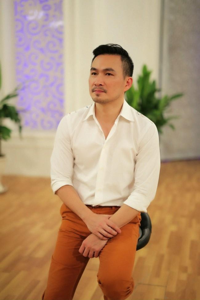 Đời tư kín tiếng của diễn viên Chi Bảo và hai cuộc hôn nhân trước khi công khai bạn gái gợi cảm - Ảnh 2.