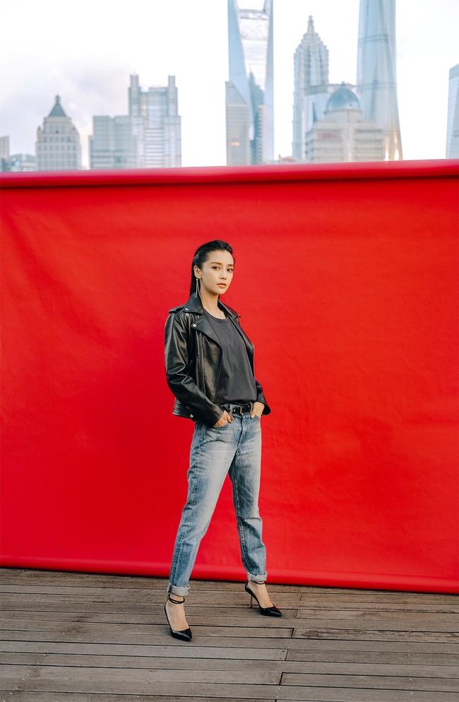 """Sau tuyên bố không muốn mang danh """"bà xã Huỳnh Hiểu Minh"""", Angelababy xuất hiện vô cùng quyến rũ và quyền lực - Ảnh 4."""