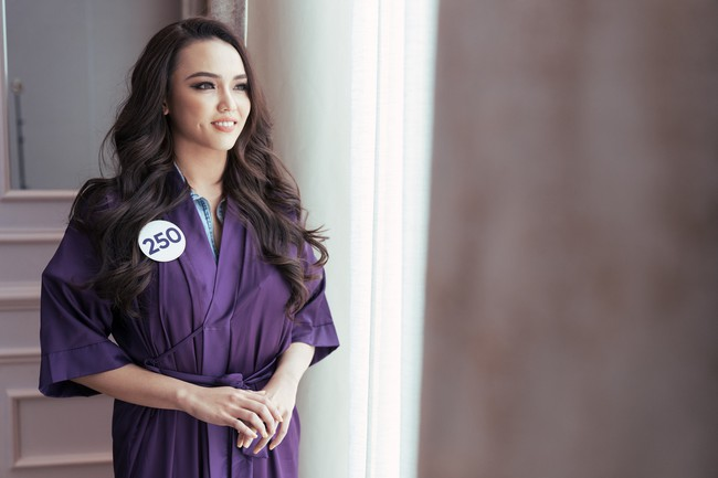 """Hé lộ danh tính và """"background khủng"""" của cô gái vừa đánh bại Á hậu Thúy Vân và dàn người đẹp nổi tiếng tại Hoa hậu Hoàn vũ Việt Nam 2019 - Ảnh 8."""
