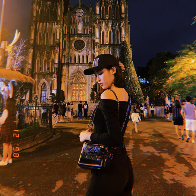 """Những lần diện """"all black"""" sang chảnh ngút ngàn của các người đẹp Việt - Hàn - Ảnh 6."""