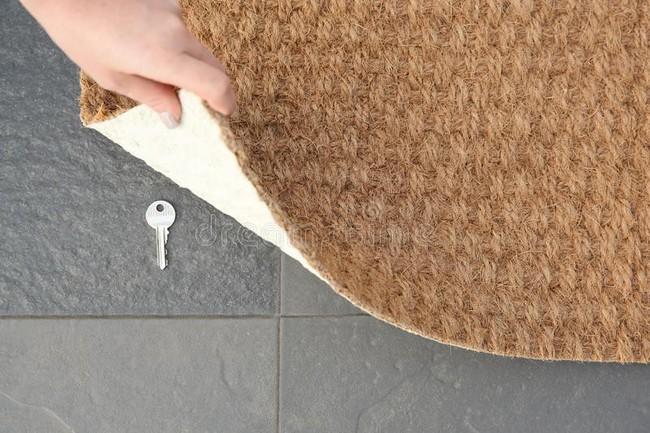 12 điều mà chuyên gia an ninh khuyên bạn không nên làm trong chính ngôi nhà của mình để đảm bảo sự an toàn và bảo mật - Ảnh 3.