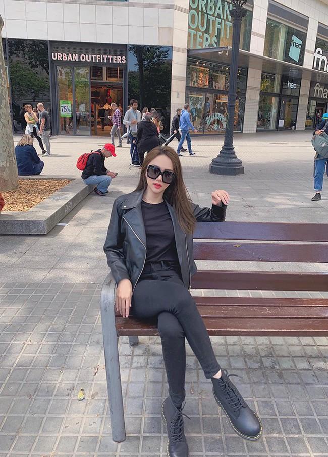"""Những lần diện """"all black"""" của các người đẹp Việt - Hàn: Từ thần thái, nhan sắc đến mix đồ đều đẹp xuất sắc - Ảnh 5."""