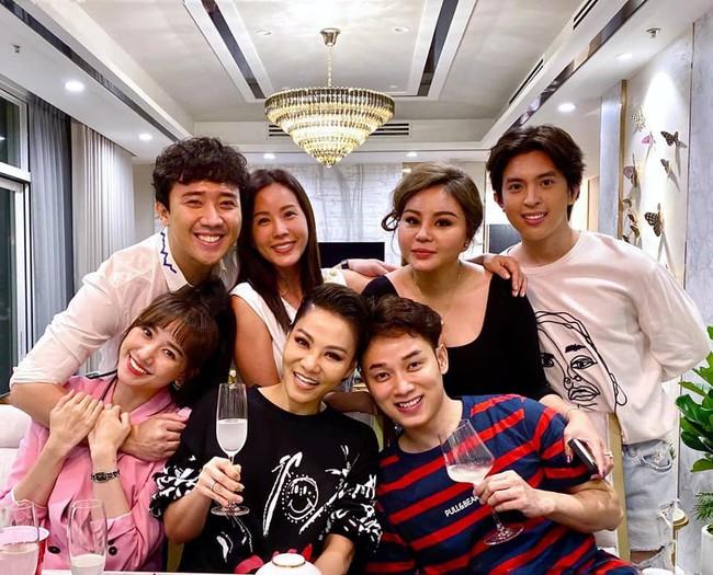 Hội bạn thân Trấn Thành, Lê Giang, Thu Minh tưng bừng chuẩn bị bữa tiệc giữa đêm mừng sinh nhật HH Thu Hoài - Ảnh 3.