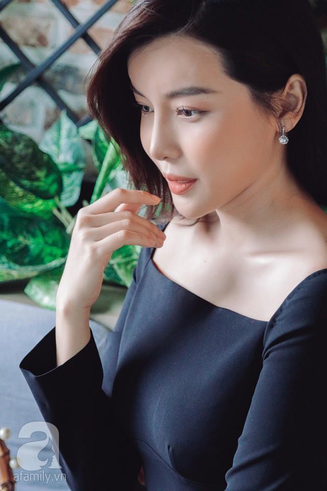 """""""Tiếng sét trong mưa"""" - Cao Thái Hà: Ba mất vì ung thư khi đang quay phim, tôi dừng đóng khóc suốt 3 ngày đêm  - Ảnh 7."""