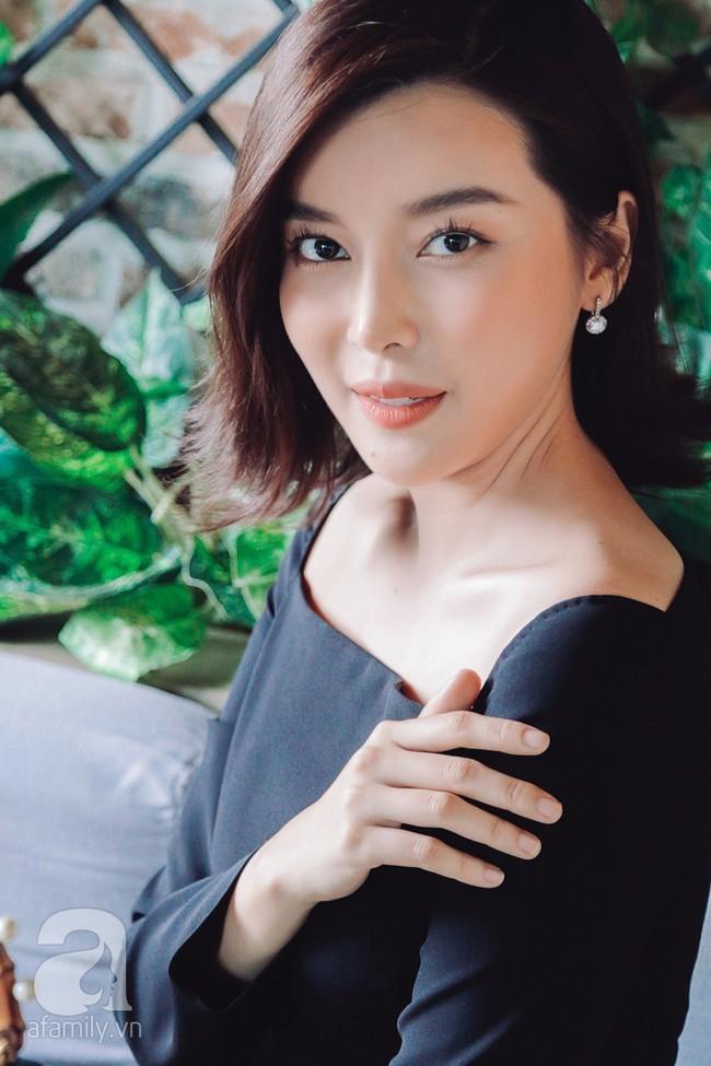"""""""Tiếng sét trong mưa"""" - Cao Thái Hà: Ba mất vì ung thư khi đang quay phim, tôi dừng đóng khóc suốt 3 ngày đêm  - Ảnh 5."""