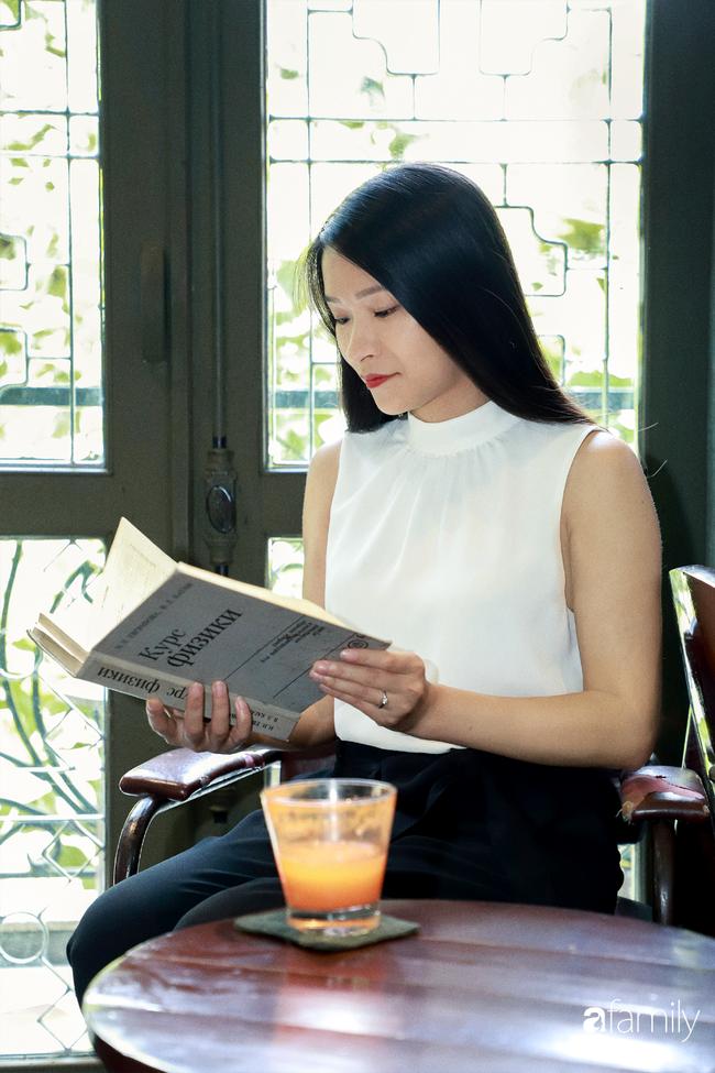 Emily Ngân Lương: Từ cô gái không được học mẫu giáo đến vị trí công dân toàn cầu nhiều người kiêng nể, kể chuyện lấy chồng nước ngoài nhiều điều thú vị - Ảnh 3.