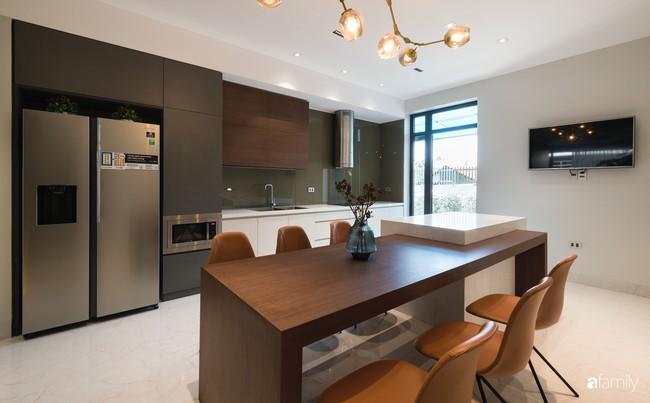 Ngôi nhà 100m2 thiết kế theo phong cách tối giản nhưng không lược bớt sự tiện nghi, sang trọng ở Quảng Ninh - Ảnh 13.