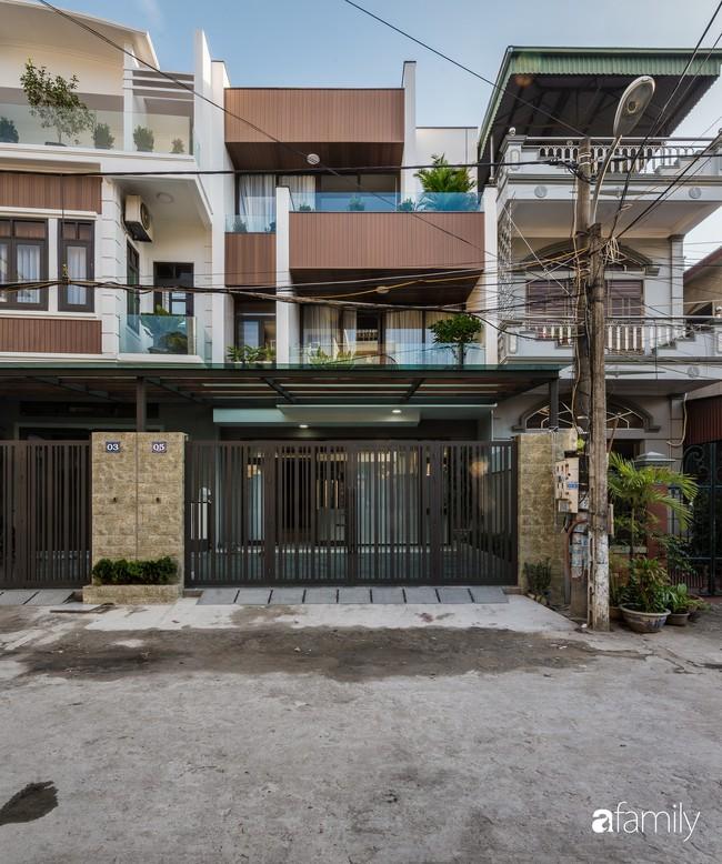 Ngôi nhà 100m2 thiết kế theo phong cách tối giản nhưng không lược bớt sự tiện nghi, sang trọng ở Quảng Ninh - Ảnh 1.