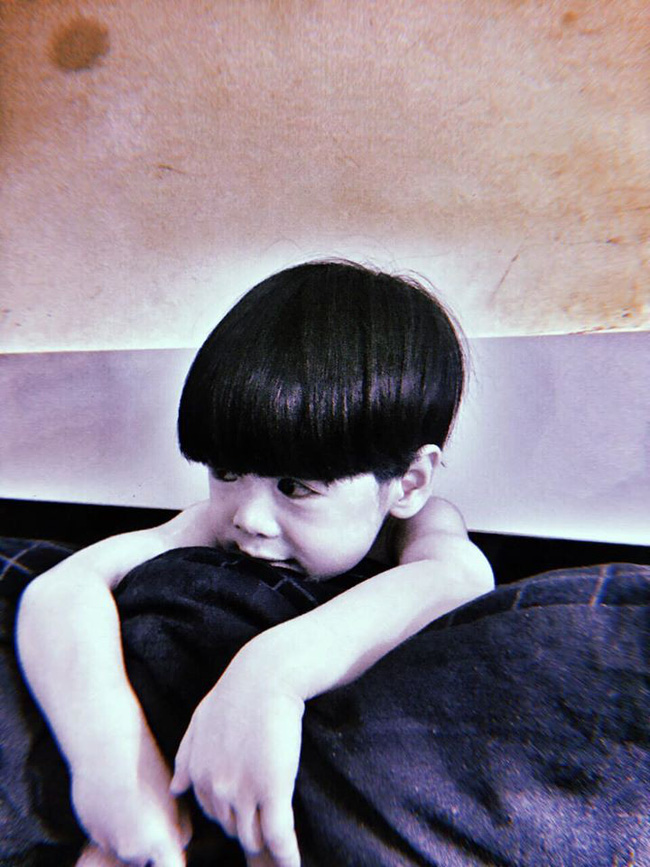 """Màn hóa trang đỉnh cao mùa Halloween: Cậu bé khiến cư dân mạng """"khóc thét"""" vì tạo hình quá đỗi đáng sợ, như bước ra từ phim ma - Ảnh 2."""