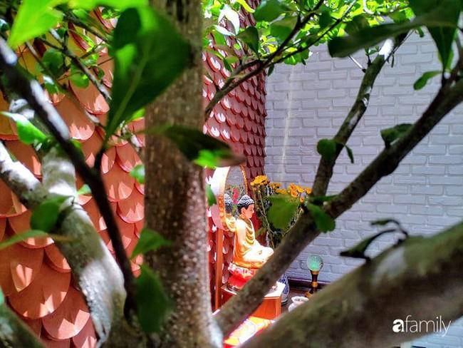 Căn nhà phố có khoảng thông tầng nhiều cây xanh và ánh sáng của chàng KTS trẻ dành tặng vợ mới cưới ở Đà Nẵng - Ảnh 12.