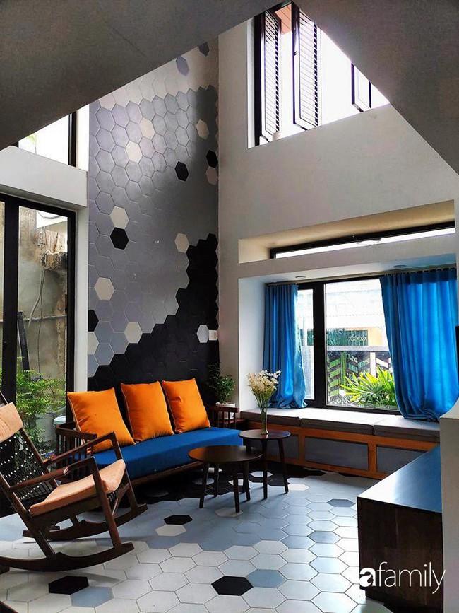 Căn nhà phố có khoảng thông tầng nhiều cây xanh và ánh sáng của chàng KTS trẻ dành tặng vợ mới cưới ở Đà Nẵng - Ảnh 4.