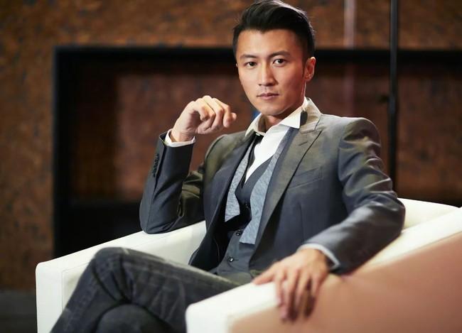 Con trai cả của Tạ Đình Phong công khai nói bố không xứng với Trương Bá Chi - Ảnh 2.