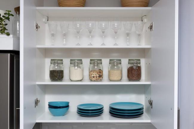 7 sai lầm trong khâu tổ chức khiến nhà bếp của bạn trở nên vô cùng luộm thuộm - Ảnh 4.