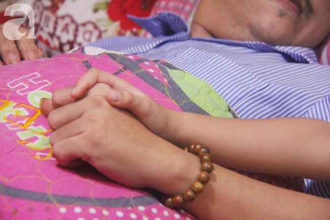 Con gái 7 tuổi bị gãy chân, chồng nằm liệt giường, người vợ bệnh tật khẩu cầu sự giúp đỡ sau vụ tai nạn kinh hoàng - Ảnh 8.