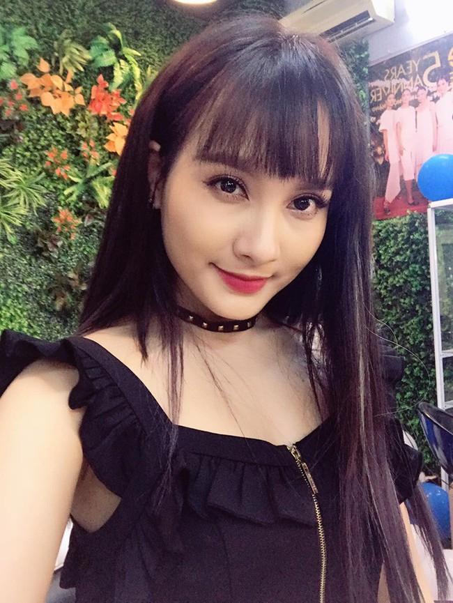 """""""Soi"""" nhất cử nhất động của sao Việt (8/10) - Ảnh 9."""