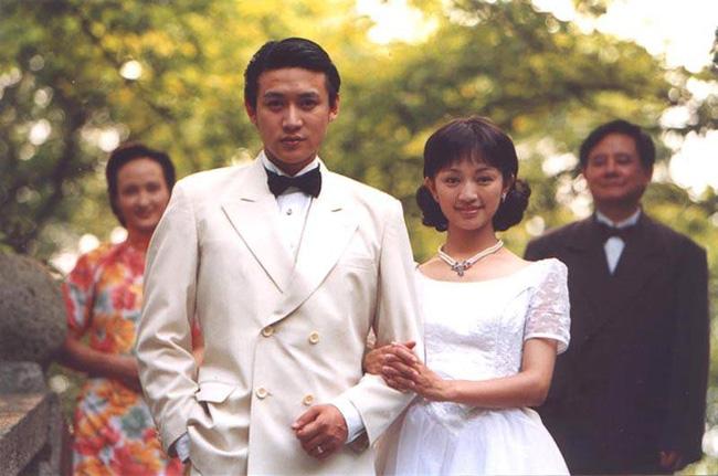 Lục Nghị - Mỹ nam hàng đầu Trung Quốc: Mối tình 20 năm suýt lung lay vì tin đồn ngoại tình với Phạm Băng Băng - Ảnh 3.