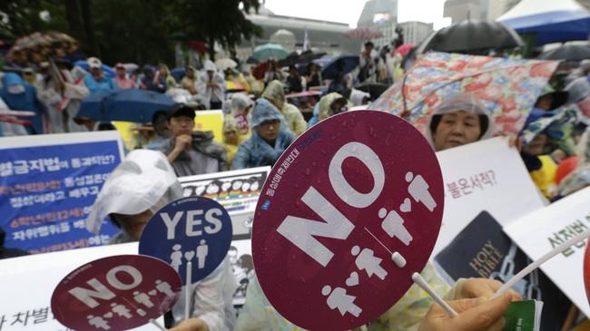 Nỗi khổ của cộng đồng LGBT ở Hàn Quốc: Bị xem như dân thứ cấp, không dám sống đúng với giới tính vì đâu đâu cũng kỳ thị - Ảnh 7.