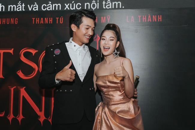 """Phim toàn cảnh 18+ của sao nữ """"Thất Sơn Tâm Linh"""" ra mắt, Hoàng Yến Chibi khóc nức nở khiến ai cũng chạnh lòng - Ảnh 9."""