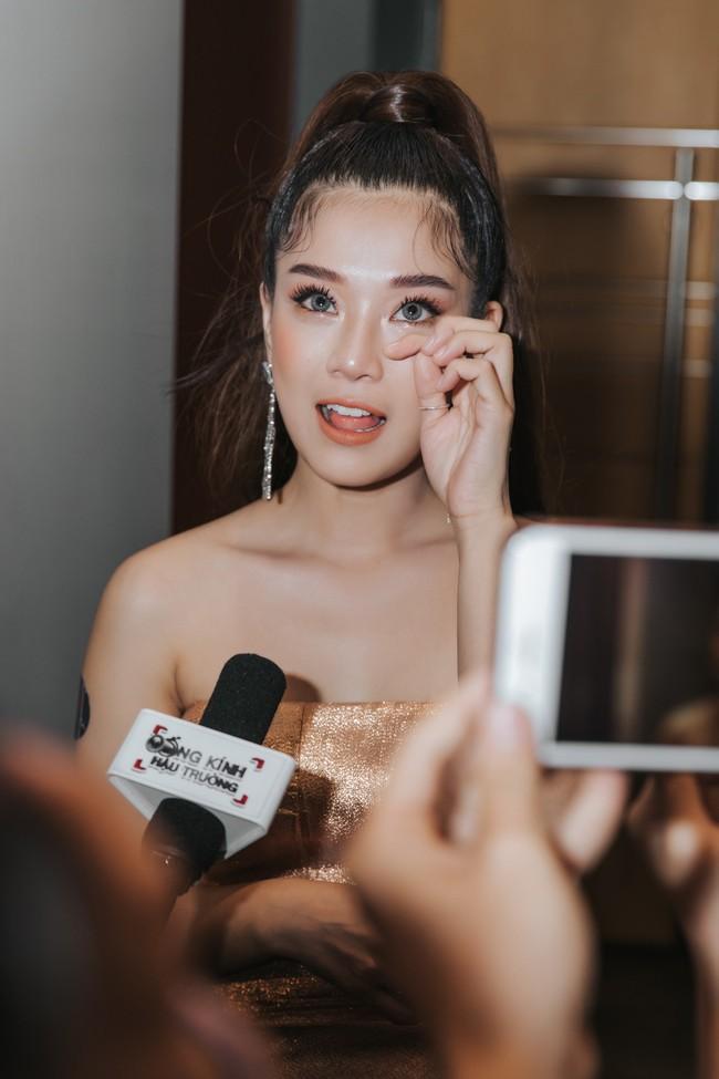 """Phim toàn cảnh 18+ của sao nữ """"Thất Sơn Tâm Linh"""" ra mắt, Hoàng Yến Chibi khóc nức nở khiến ai cũng chạnh lòng - Ảnh 7."""