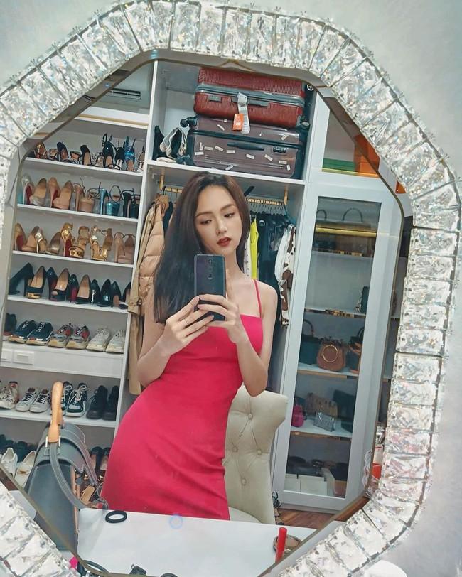 Khoe tủ hàng hiệu cả tỷ bạc nhưng chi tiết này mới khiến Hương Giang được chú ý nhất - Ảnh 1.