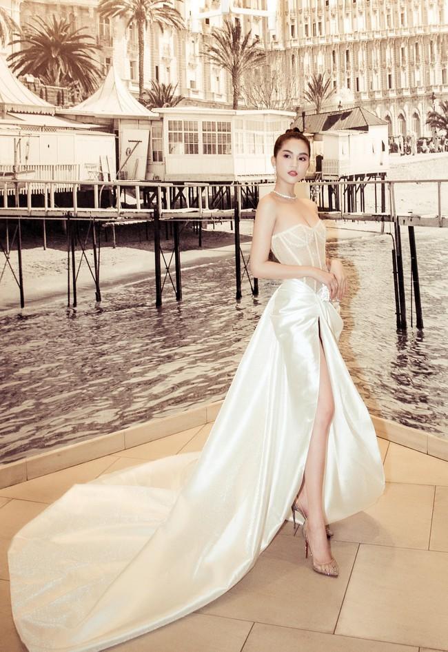 """Ngọc Trinh diện đầm dễ gây hiểu nhầm, và sao lại giống bộ váy như """"quấn khăn tắm đi tiệc"""" tại Cannes thế này - Ảnh 7."""