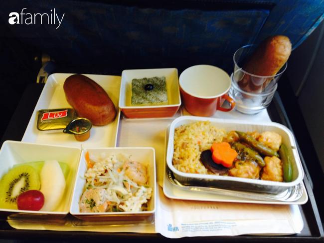 Bộ sưu tập bữa ăn trên máy bay của chàng trai 30 tuổi đi 34 quốc gia khiến ai cũng trầm trồ thích thú - Ảnh 2.