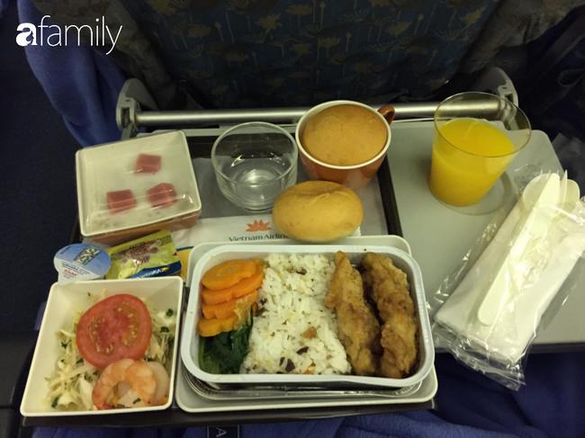 Bộ sưu tập bữa ăn trên máy bay của chàng trai 30 tuổi đi 34 quốc gia khiến ai cũng trầm trồ thích thú - Ảnh 9.