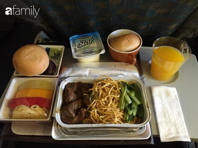 Bộ sưu tập bữa ăn trên máy bay của chàng trai 30 tuổi đi 34 quốc gia khiến ai cũng trầm trồ thích thú - Ảnh 10.
