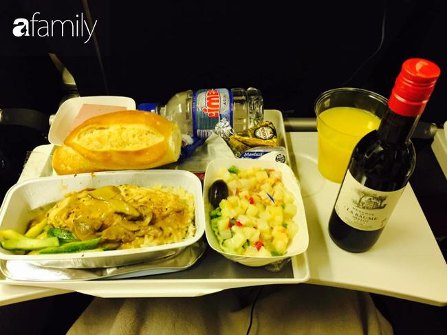 Bộ sưu tập bữa ăn trên máy bay của chàng trai 30 tuổi đi 34 quốc gia khiến ai cũng trầm trồ thích thú - Ảnh 12.