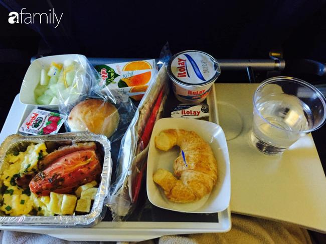 Bộ sưu tập bữa ăn trên máy bay của chàng trai 30 tuổi đi 34 quốc gia khiến ai cũng trầm trồ thích thú - Ảnh 13.
