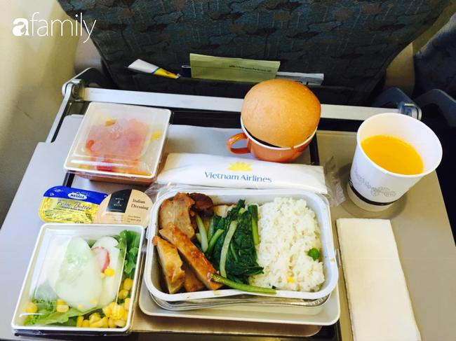 Bộ sưu tập bữa ăn trên máy bay của chàng trai 30 tuổi đi 34 quốc gia khiến ai cũng trầm trồ thích thú - Ảnh 14.