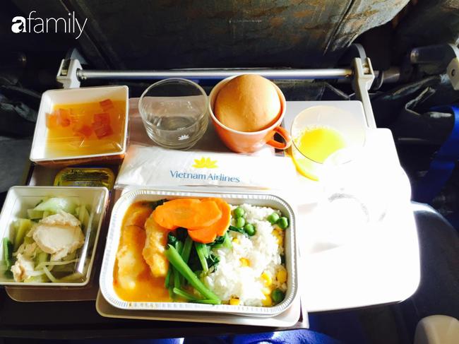 Bộ sưu tập bữa ăn trên máy bay của chàng trai 30 tuổi đi 34 quốc gia khiến ai cũng trầm trồ thích thú - Ảnh 15.