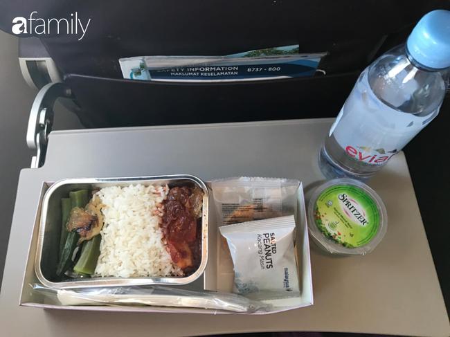 Bộ sưu tập bữa ăn trên máy bay của chàng trai 30 tuổi đi 34 quốc gia khiến ai cũng trầm trồ thích thú - Ảnh 16.