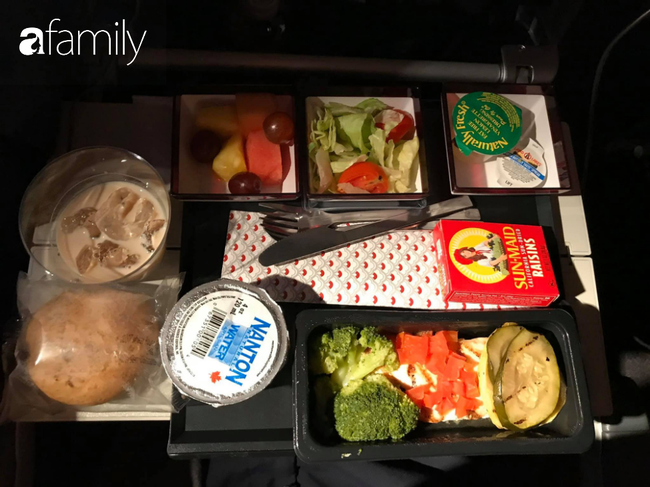 Bộ sưu tập bữa ăn trên máy bay của chàng giám đốc 30 tuổi đi 34 quốc gia khiến ai cũng trầm trồ thích thú - Ảnh 24.