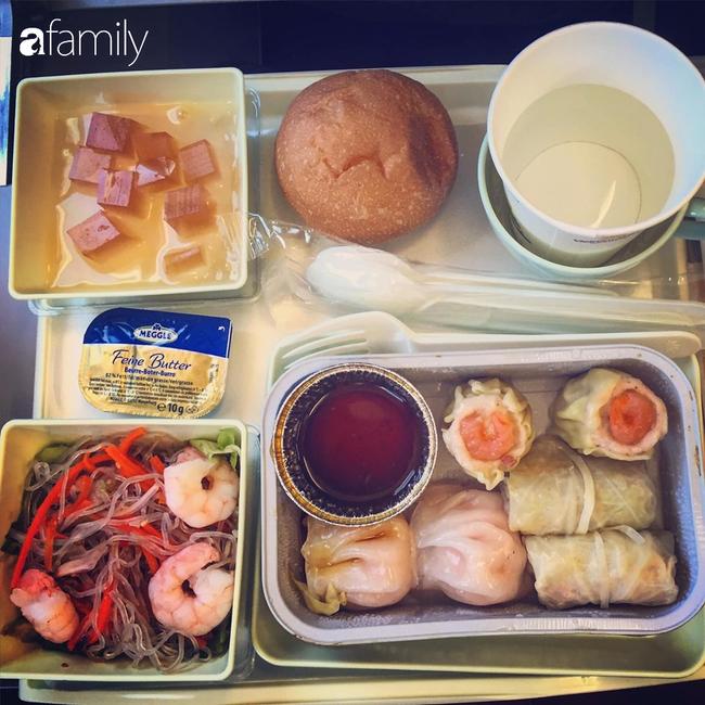 Bộ sưu tập bữa ăn trên máy bay của chàng trai 30 tuổi đi 34 quốc gia khiến ai cũng trầm trồ thích thú - Ảnh 22.