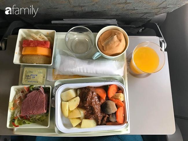 Bộ sưu tập bữa ăn trên máy bay của chàng trai 30 tuổi đi 34 quốc gia khiến ai cũng trầm trồ thích thú - Ảnh 24.