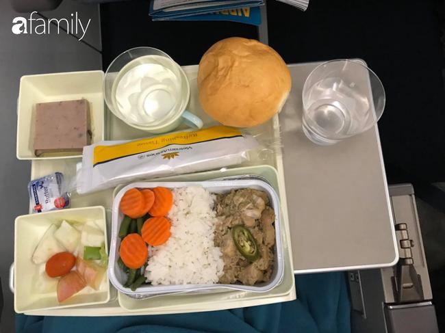 Bộ sưu tập bữa ăn trên máy bay của chàng trai 30 tuổi đi 34 quốc gia khiến ai cũng trầm trồ thích thú - Ảnh 25.