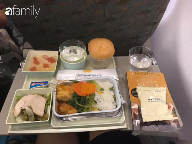 Bộ sưu tập bữa ăn trên máy bay của chàng giám đốc 30 tuổi đi 34 quốc gia khiến ai cũng trầm trồ thích thú - Ảnh 31.