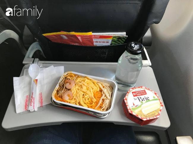 Bộ sưu tập bữa ăn trên máy bay của chàng giám đốc 30 tuổi đi 34 quốc gia khiến ai cũng trầm trồ thích thú - Ảnh 32.