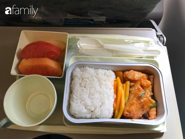 Bộ sưu tập bữa ăn trên máy bay của chàng trai 30 tuổi đi 34 quốc gia khiến ai cũng trầm trồ thích thú - Ảnh 26.
