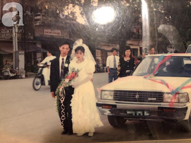 Hình ảnh bố mẹ Hạnh trong đám cưới.