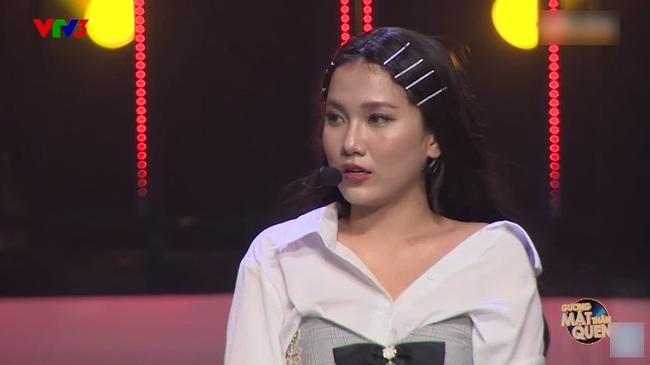 """Hóa thân làm Jennie (BLACKPINK), tiết mục của Emma Nhất Khanh sẽ rất trọn vẹn nếu không để lộ chiếc bụng mỡ """"siêu to khổng lồ"""" - Ảnh 2."""